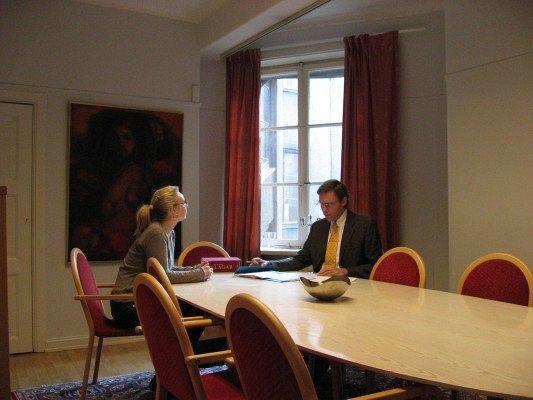 stockholm-advokatbyrå-möte-man-och-kvinna